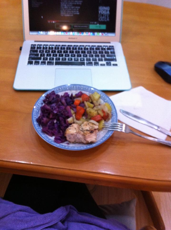 Chicken dinner, red cabbage, potatos